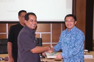 Prosesi Penyerahan LHP LKPD 2012 Kab. Klungkung